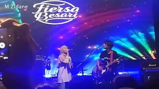 (Live !) Fiersa Besari - Waktu Yang Salah (feat. Feby Putri Nc) Live at Jakarta Folks Festival