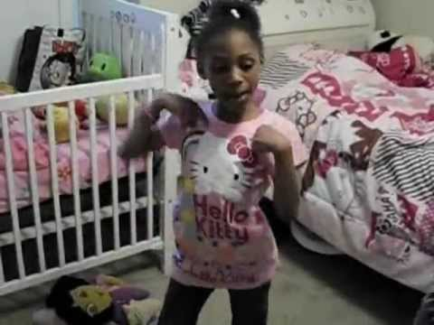 Sassy & Nel Hello Kitty Song