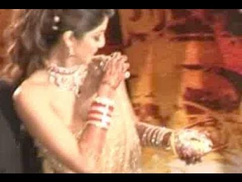 Shilpa Shetty39s Infamous Wardrobe Malfunction Youtube