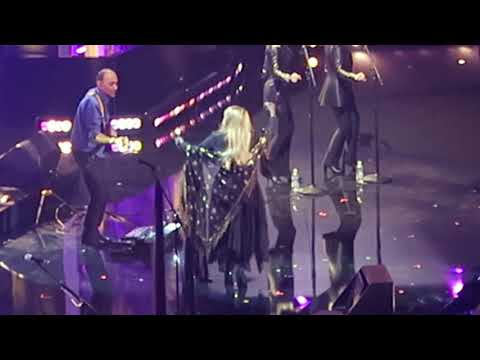 Stevie Nicks - Stand Back @ 2019 Rock & Roll Hall of Fame Ceremony 3-29-2019