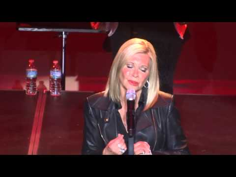 Olivia Newton-John -Hopelessly Devoted to You - Live on Ft.Pierce Florida - Feb/06/2015