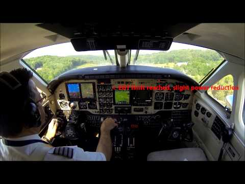 King Air B100 flight - real time cockpit view with ATC!
