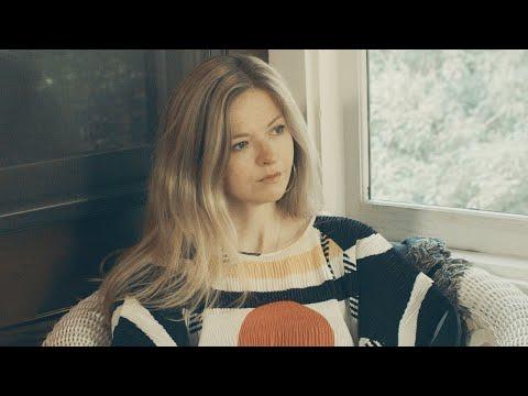 Смотреть клип Still Corners - Crying