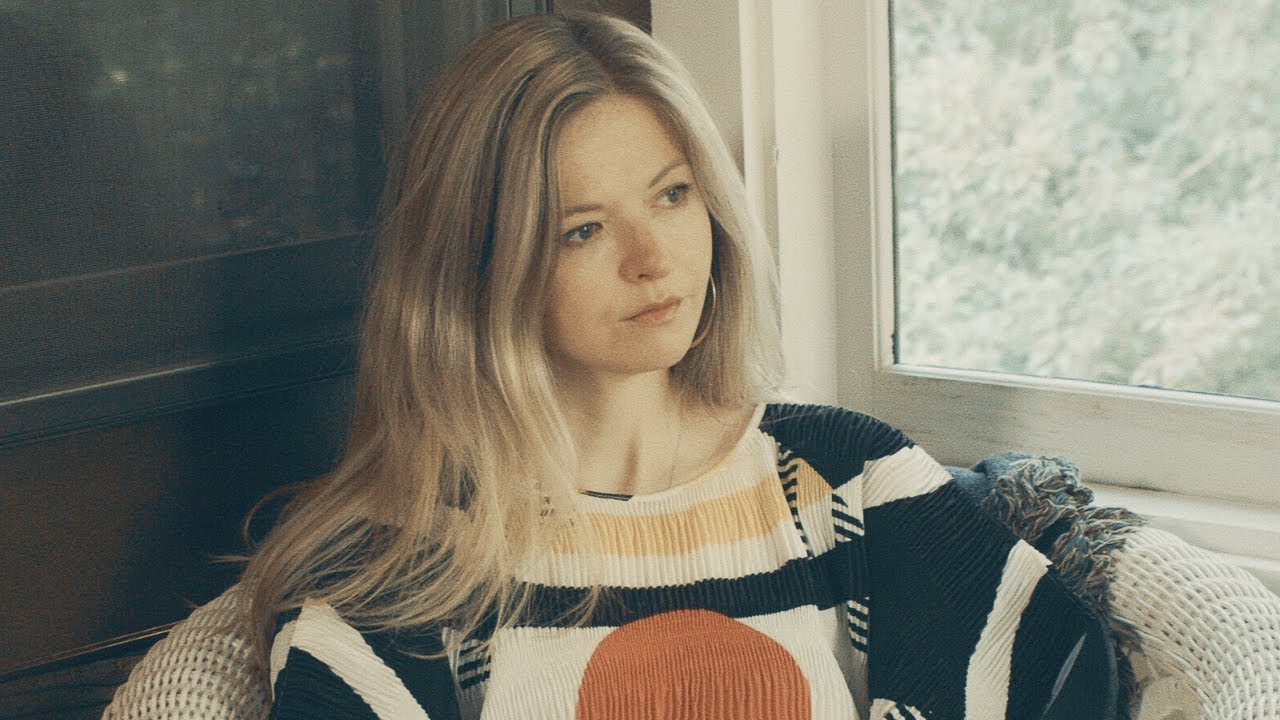 Still Corners - Crying (Official Video)