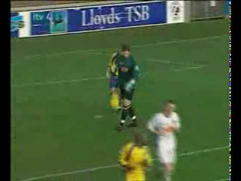 Ghi bàn từ tay thủ môn (videokyniem.com)