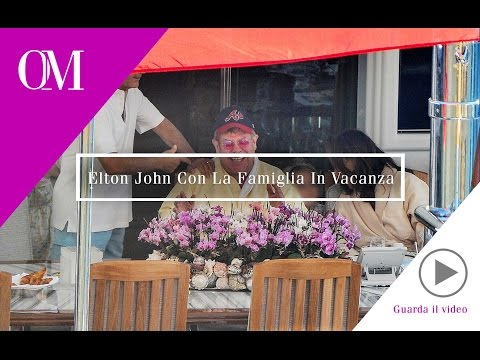 OMG05 - Opinione Moda - Portofino - Elton John con la famiglia in vacanza