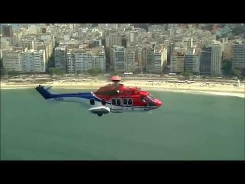 Helicóptero EC225 sobrevoa Rio de Janeiro