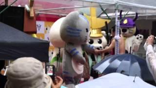 柳ヶ瀬に47都道府県のゆるキャラが集合! ミニステージでは犬と猫がモ...