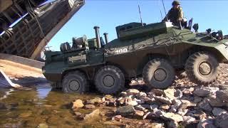 Погрузка техники морской пехоты ТОФ на большие десантные корабли в рамках маневров «Восток-2018»