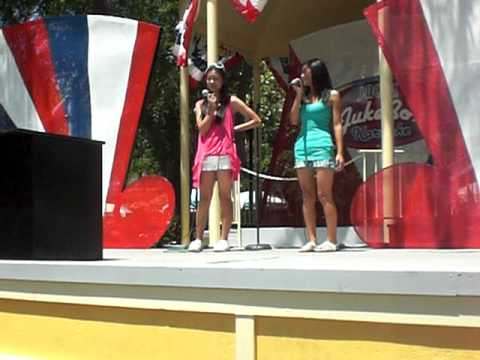 Karaoke At Great America 6/6/09