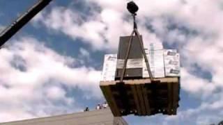 Hilarious crane accident!