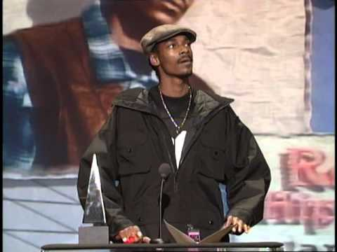 Snoop Dogg Wins Rap/Hip Hop Artist - AMA 1995