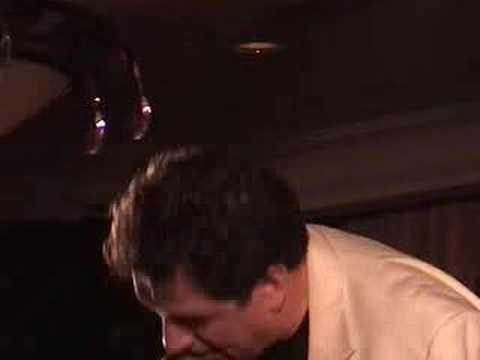 Michael Masci sings