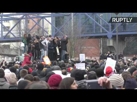 «Justice pour Théo» : Manifestation devant le palais de justice de Bobigny (Direct du 11.02)