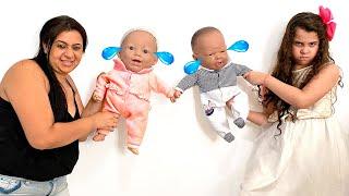 SARAH E A MAMÃE querem os mesmos BEBÊ REBORN