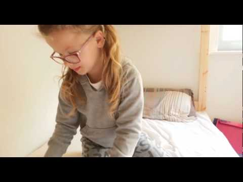 Meda's Sofia The First magazine Reviews - video 1