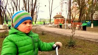 Детский велосипед  BMW Kidsbike Ultimate Driving Machine(Привет друзья! Как, для февраля в Киеве теплая погодка +10 и мы решили покататся на велосипеде БМВ. Приятного..., 2016-02-07T17:51:31.000Z)