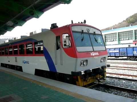 RDCムグンファ号9501系 馬山駅到...