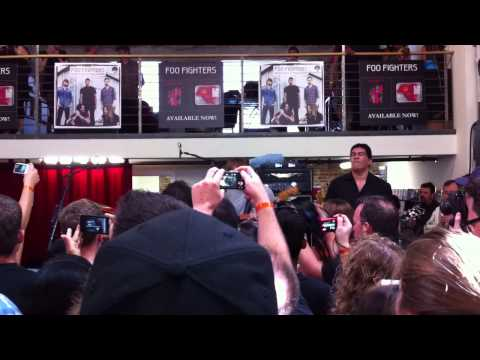 "Foo Fighters ""Rope"" live at Fingerprintz Record Store, Long Beach Ca. 4-16-2011"