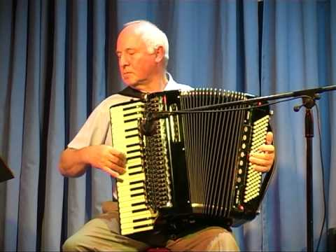 Ken Astin Playing Soir De Paris at Leyland Accordion Club