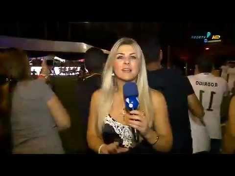 TV Fama: Íris Enquadra Neymar Sobre Bruna Marquezine