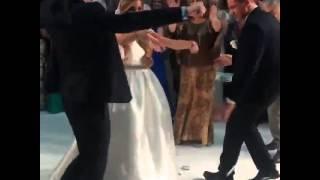 Беременная Ксения Бородина танцует лезгинку на своей свадьбе   720x540