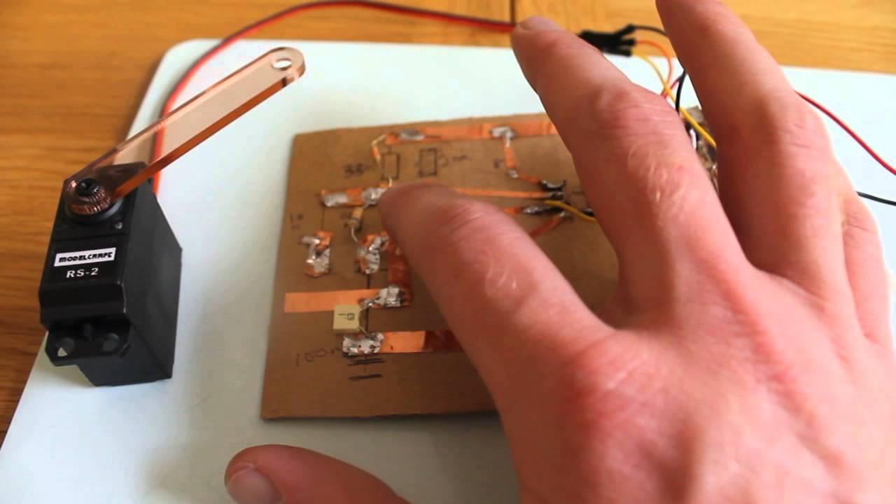 Rc Servo Controller Circuit Using Pic18f252