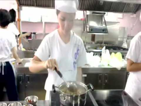 วิชาอาหารไทยต้มยำกุ้งน้ำข้น