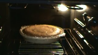 Old-Fashion Shoo Fly Pie
