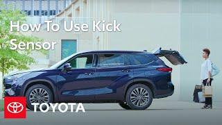 homepage tile video photo for How to Use Kick Sensor in the Highlander | Toyota