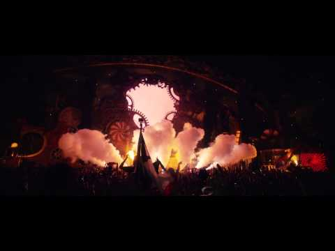 David guetta - lovers on the sun.  Tomorrowland