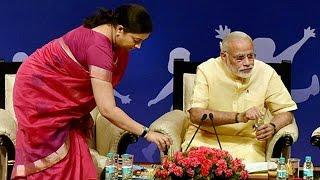Congress leader's sexist remark on Smriti Irani, BJP to file defamation case thumbnail