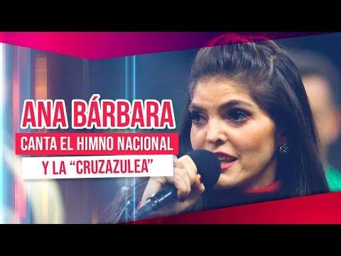 """Ana Bárbara canta el Himno Nacional y la """"cruzazulea""""   Noticias con Francisco Zea"""