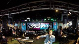 360° VIDEO: Andy Grammer