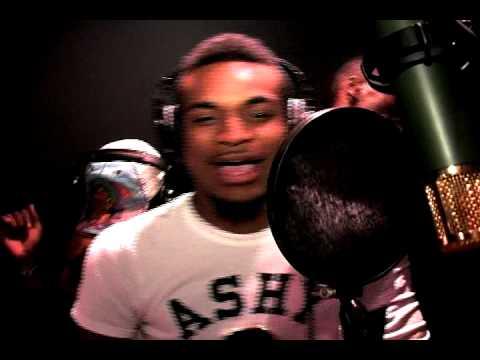 Travis Porter feat Bryan J - Uh Huh part 2 STUDIO PERFORMANCE