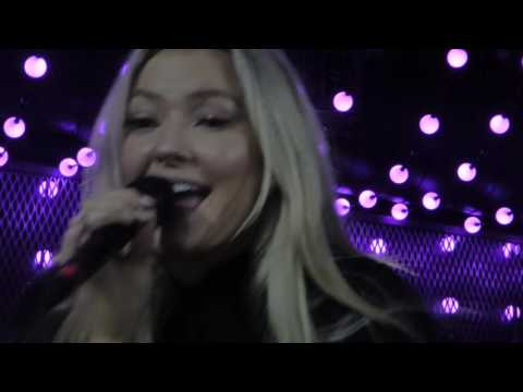 Astrid S - Party's Over (HD) - The Camden Assembly - 16.11.16