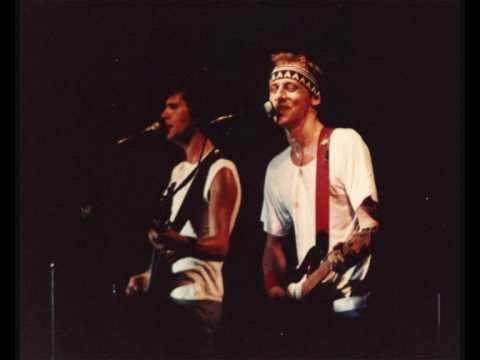 Dire Straits - Twisting By The Pool - [Madrid '83]