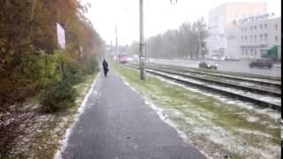 Екатеринбург идёт снег 17 сентября 2014 первый снег(, 2014-09-17T13:13:13.000Z)