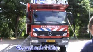 zwaailichten+sirene  showtjes van brandweer,ambulance en politie op veiligheidsdag driemond