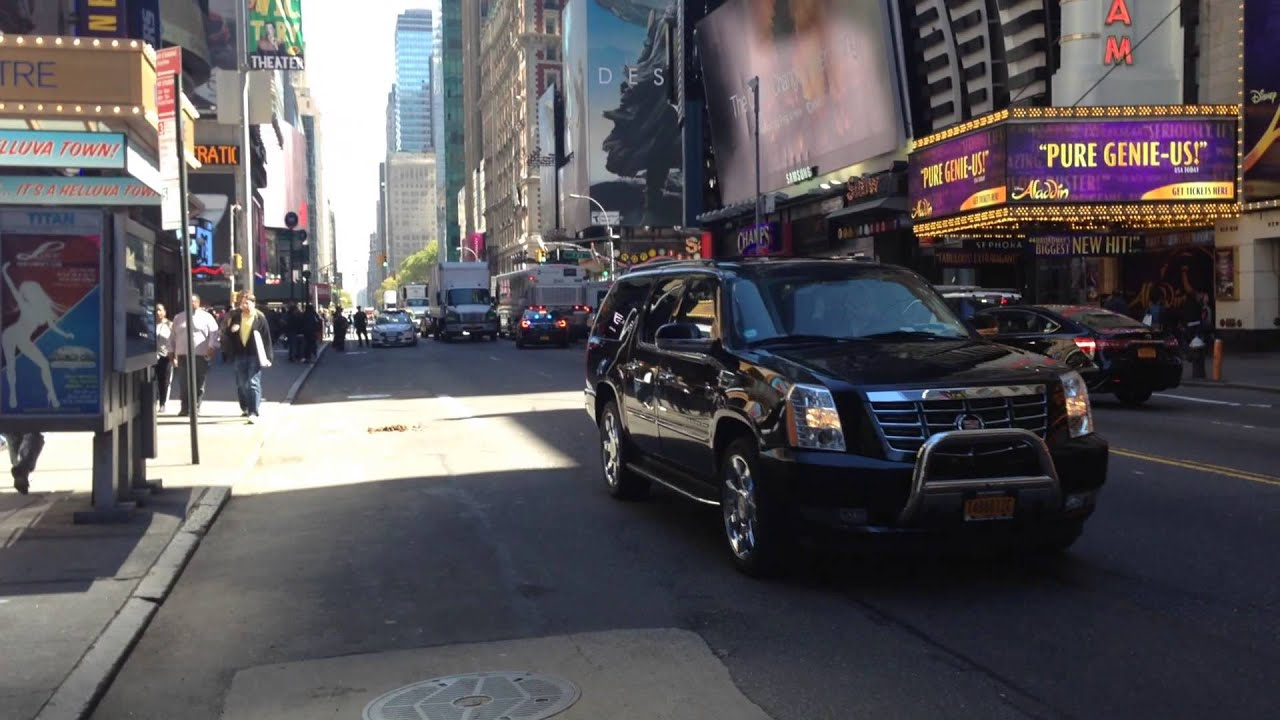BRAND NEW NYPD UNMARKED FORD TAURUS POLICE INTERCEPTOR RESPONDING ON W ...