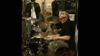Gambar cover Martin Atkins improv drums