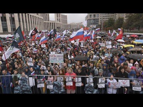 الآلاف يتظاهرون في موسكو احتجاجا على رفض ترشيحات معارضين للانتخابات المحلية  - 11:54-2019 / 8 / 12