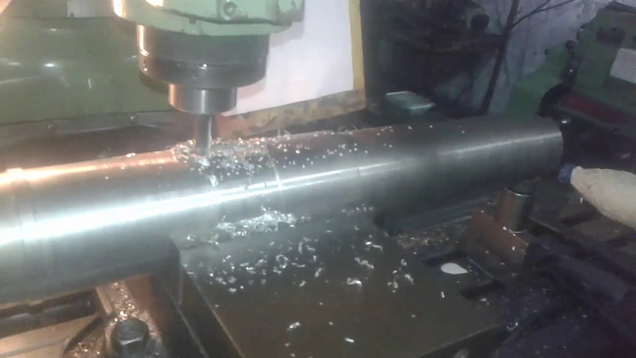 How To Cut Key Slot In Shaft With Milling Machine Youtube
