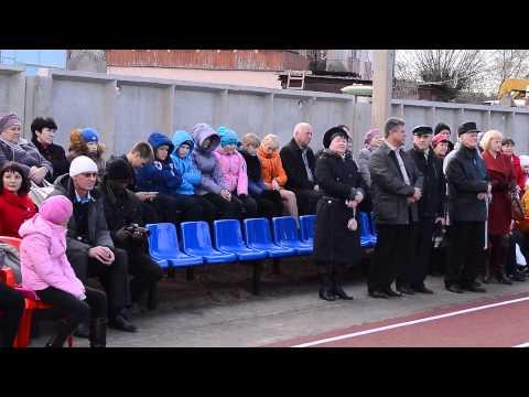 В Новосокольниках открыли футбольное поле с искусственным покрытием