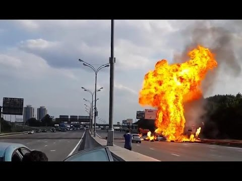 Full video of gas explosion on the highway