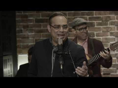 Reynier Pérez y su Septeto Acarey Feat . Gilberto Santa Rosa - Enamorate Bailando (Video Oficial)