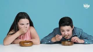 Дети пробуют экзотическую еду !