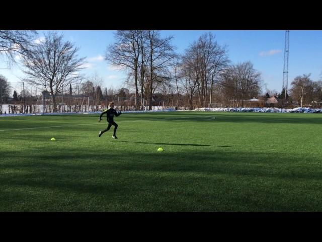 11 a?rig fodbold spiller Victor ønsker at blive hurtigere