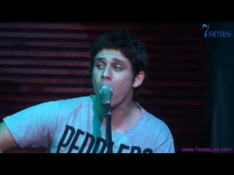 Nikolas Metaxas Live @ 7 Seas on Columbia Plaza