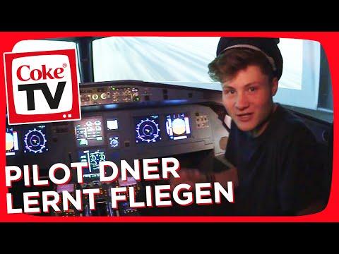 Abheben im Flugsimulator: Dner wird Pilot | #CokeTVMoment